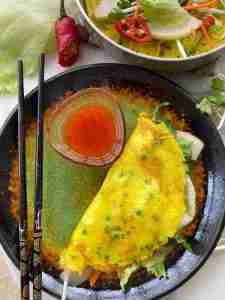 Vegetarian Vietnamese rice crepes (bánh xèo)