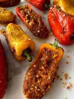 Bharela marcha (Stuffed chili peppers)