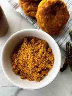Dry chutney for vada pav in 5 minutes