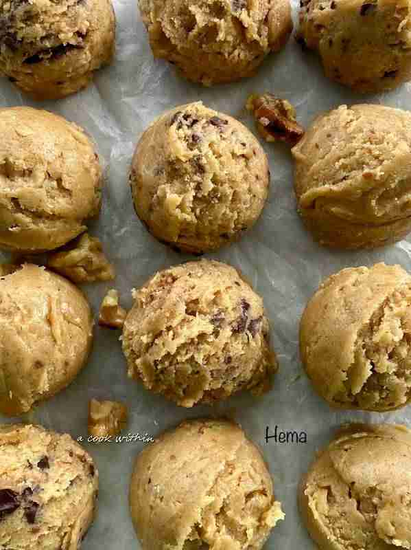 Eggless miso cookie with walnut and chocolate